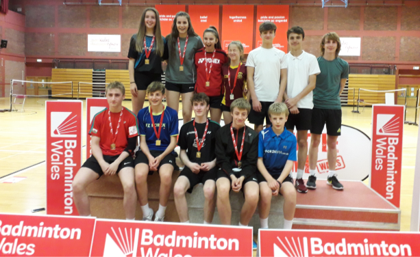 CHS Badminton Teams Bring Home the Medals